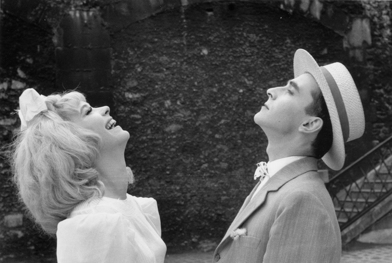 "Anna Karina et Jean-Luc Godard dans ""Cléo de 5 à 7"" (1962) d'Agnès Varda"