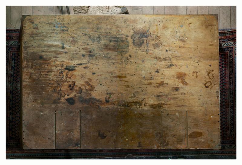 """Annie Leibovitz,"""" Virginia Woolf's writing desk"""" (2010) © Annie Leibovitz. Courtesy the artist and Hauser & Wirth"""