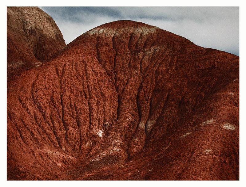 "Annie Leibovitz,""Georgia O'Keeffe's red hill"",  Ghost Ranch (2010) © Annie Leibovitz. Courtesy the artist and Hauser & Wirth"