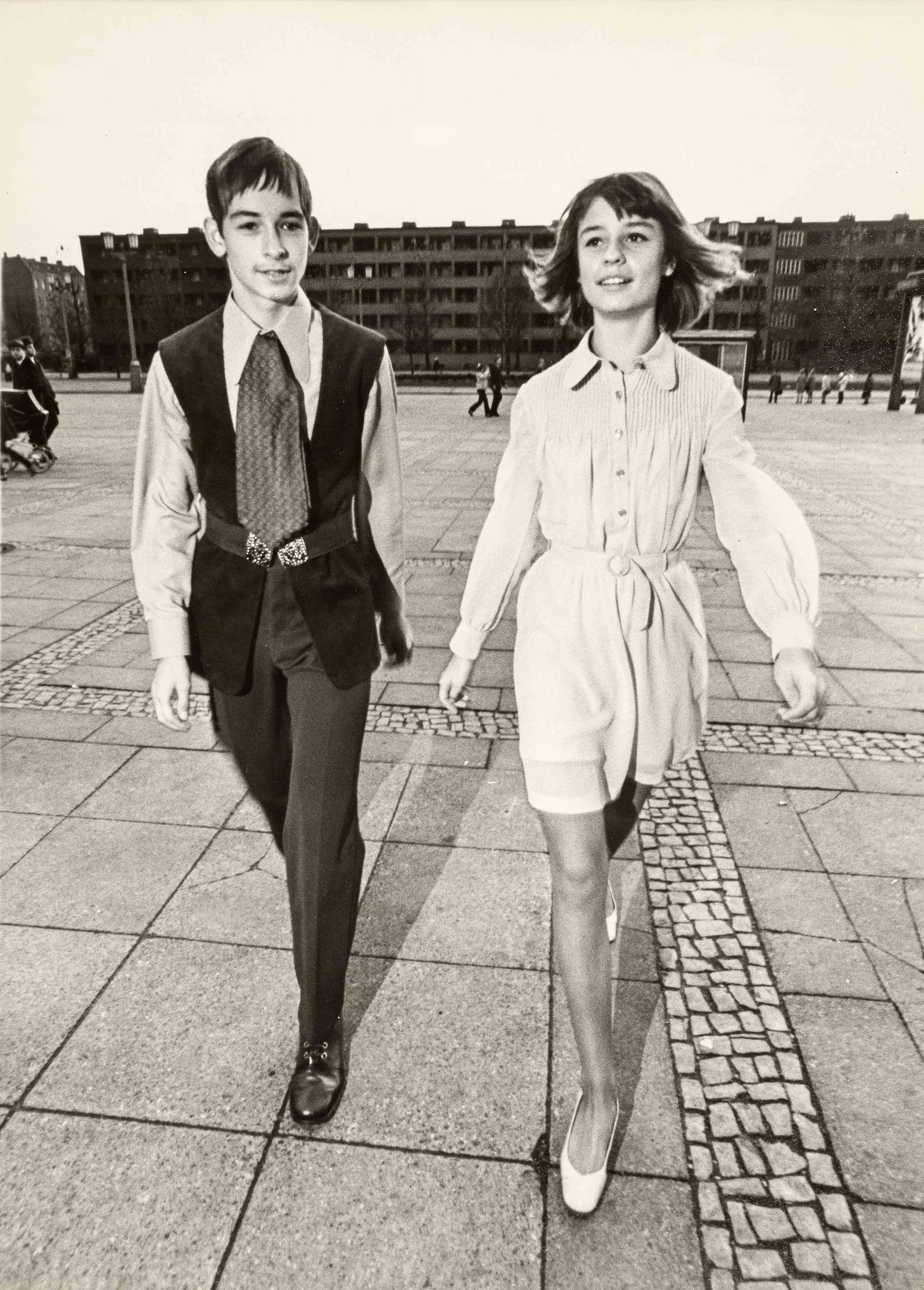 Schlüterstraße 28 Tel  +49 30 28 38 79 90         info@berinson.deD-10629 Berlin  Fax +49 30 28 38 79 99         www.berinson.deFestive dresses | vintage print | 15,6 x 11,8 in | models: German Fashion Institute | 'Sibylle', issue 6, 1971Full-length shirt dress | vintage print | 11,6 x 8,9 in | model design: Eva Mücke, production: Helga Perkuhn | 'Sibylle', issue 6, 1973 Youth initiation (trousers-vest ensemble and shirt dress in lilac 'Dederon-Georgette') | vintage print | 15,7 x 11,7 in | models: German Fashion Institute | 'Sibylle', issue 1, 1971 Galerie Berinson, Berlin