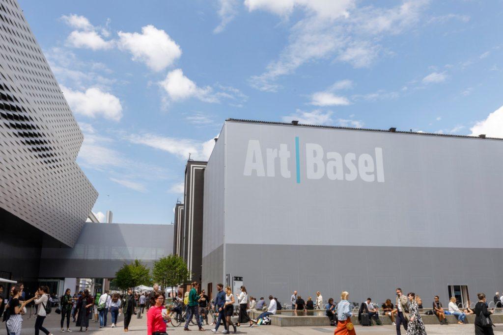 Crowds at Art Basel 2019. © Art Basel.