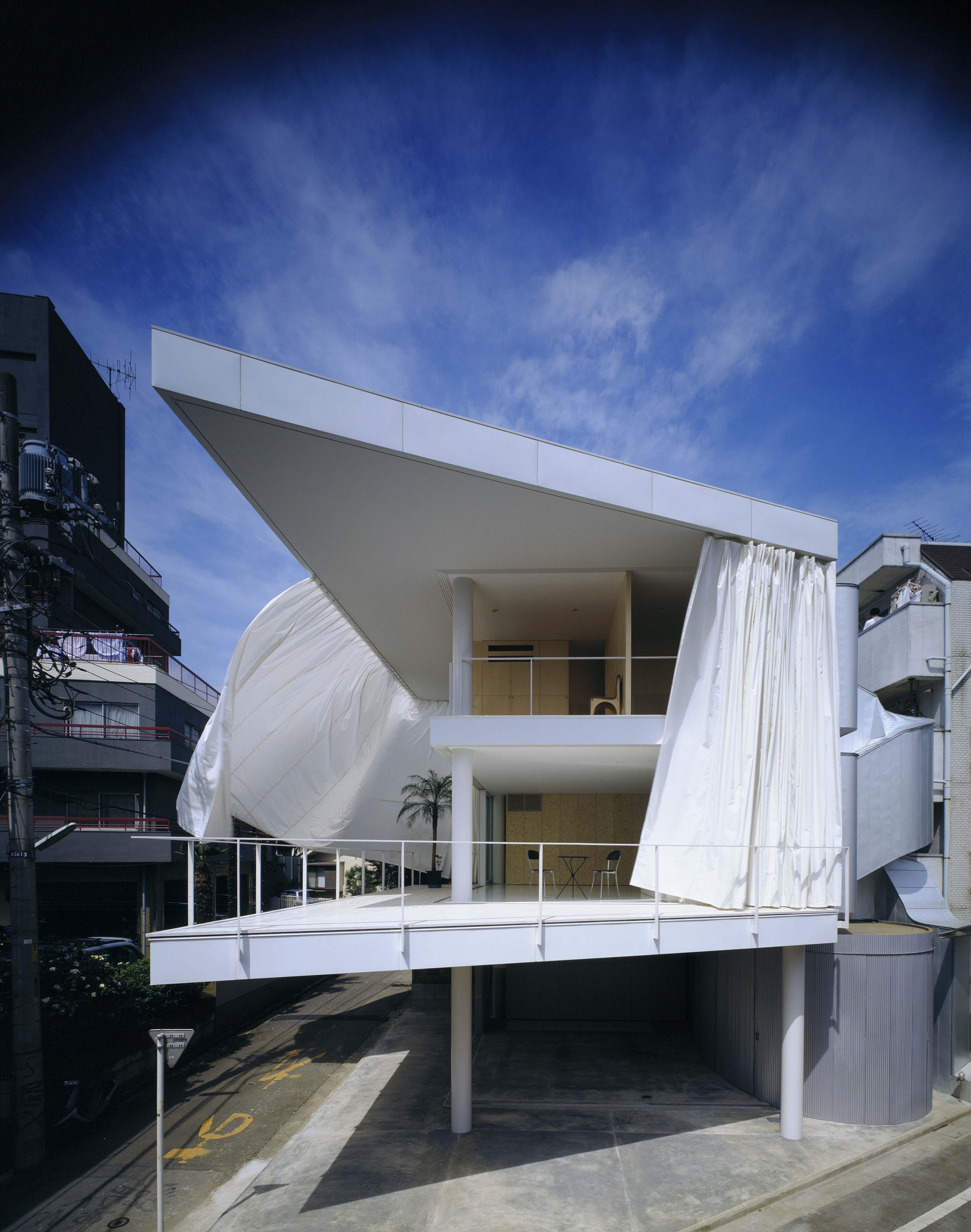 Shigeru Ban, Curtain wall house (Case Study House 7), Tokyo, 1965