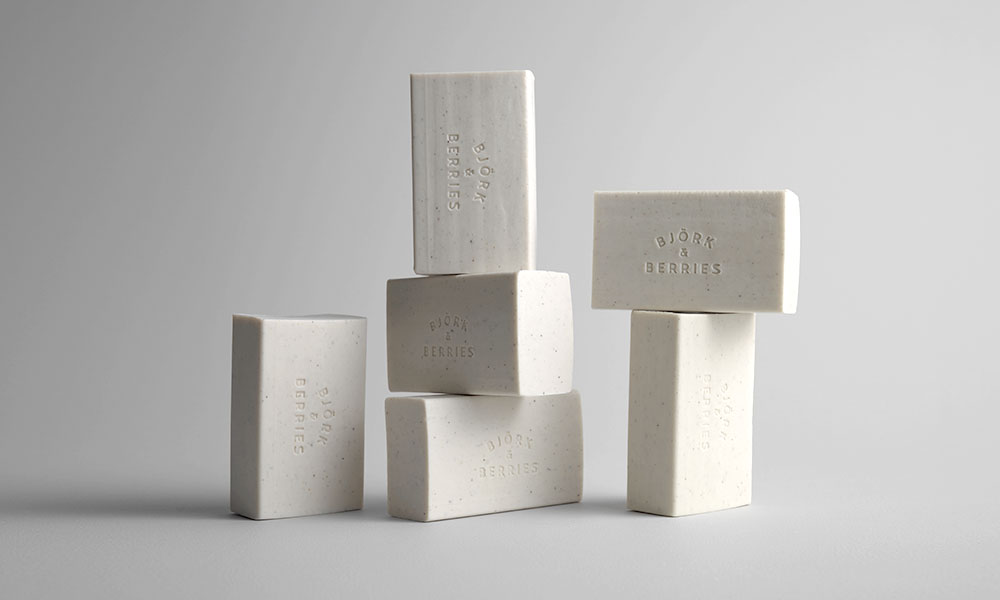 """The luxury eco brand inspired by nature and Swedish culture has launched an exfoliating soap for the body made from 99% natural ingredients. Its recipe for soft skin includes  willow bark, pumice stone, wild rose and vegetable oils (colza, coconut and sunflower). """"Exfoliating Bath Soap"""", Björk & Berries. 25 euros, 250g. On sale at the Bon Marché."""