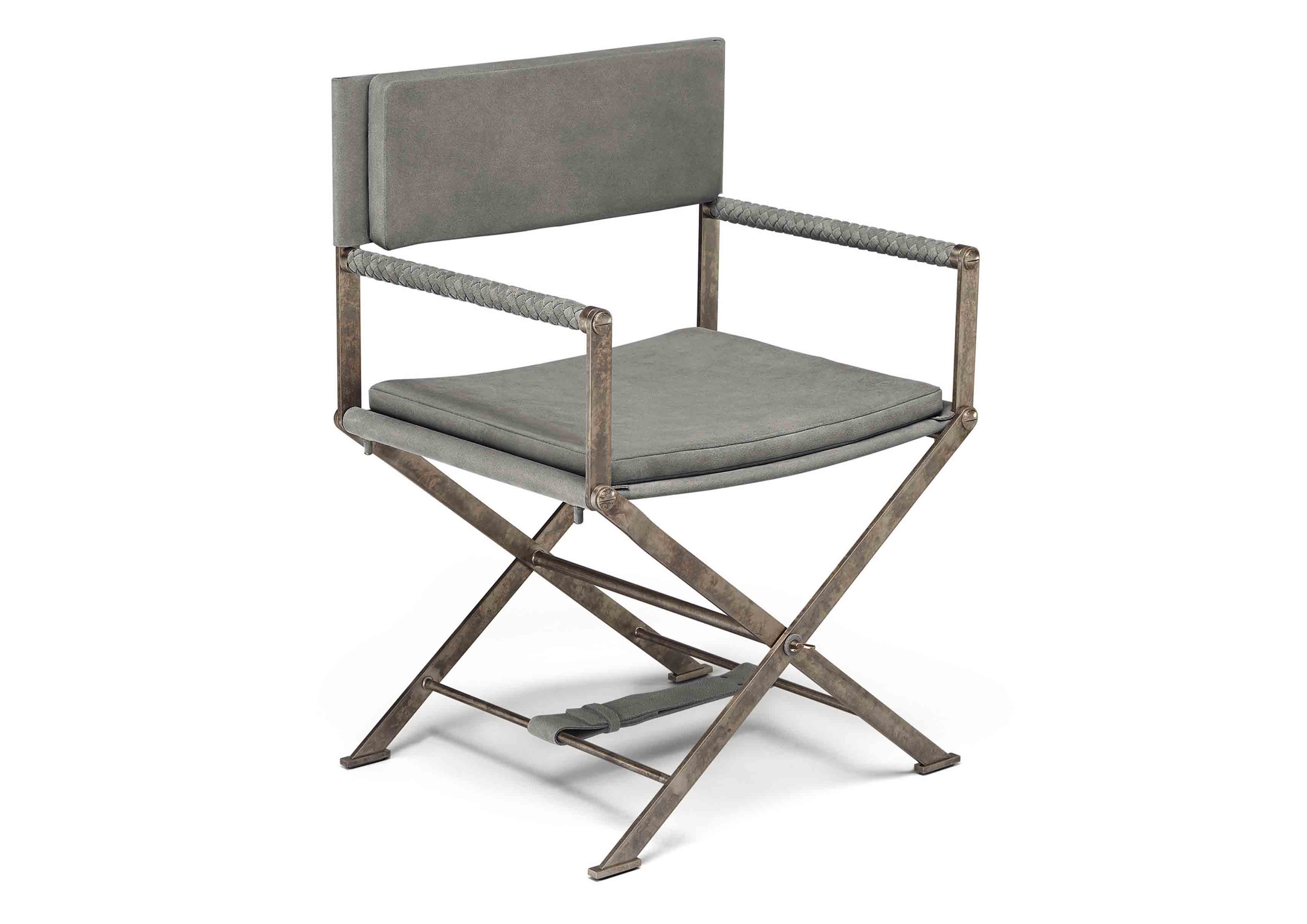 Chaise pliable issue de la nouvelle collection Maison de Bottega Veneta, à l'occasion du Salone del Mobile de Milan.