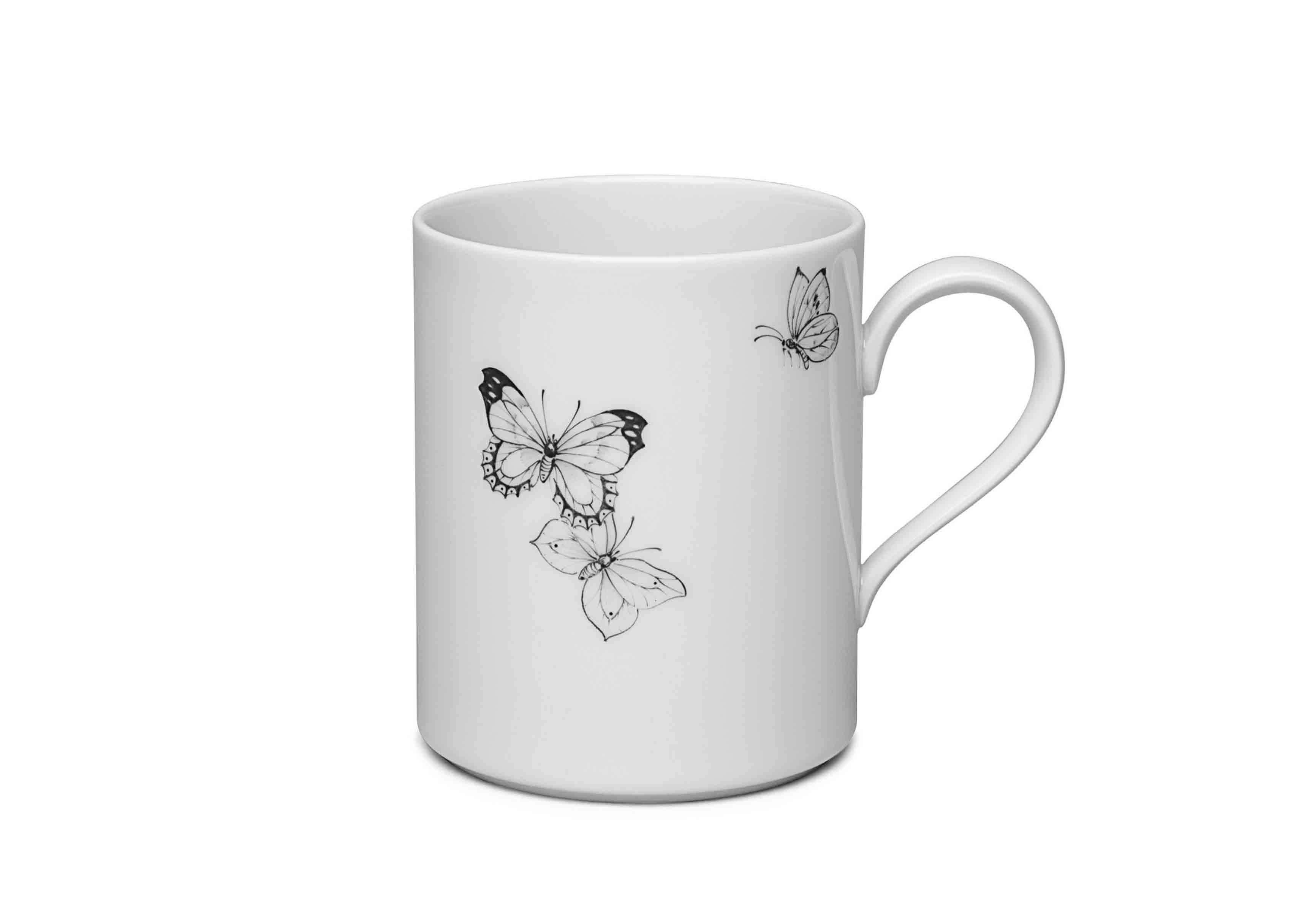 Mug en porcelaine, motif papillons, issu de la nouvelle collection Maison de Bottega Veneta, à l'occasion du Salone del Mobile de Milan.