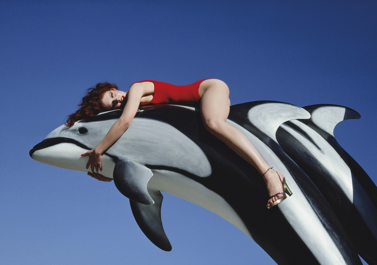 """Dolphin"" de Guy Bourdin [€20,000-25,000] Copyright The Guy Bourdin Estate 2019 – Courtesy of Louise Alexander Gallery."