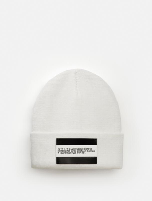 """Bonnet e la collection capsule du label Calvin Klein """"Calvin Klein Jeans Est. 1978"""""""