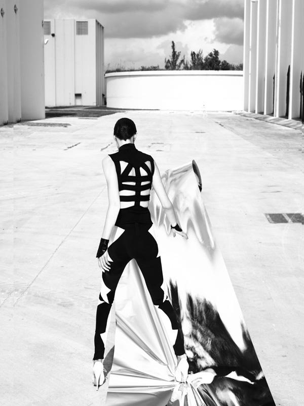 Iris Strubegger Vogue Italia Los Angeles, 2009 © 2017 Mert Alas & Marcus Piggott