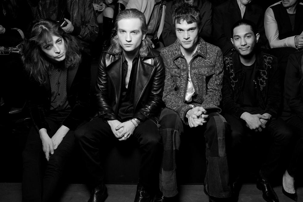 Flora Fishbach, Lukas Ionesco, Luka Isaac et Dylan Robert.