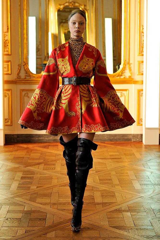 Alexander McQueen, collection Fall Winter 2010.