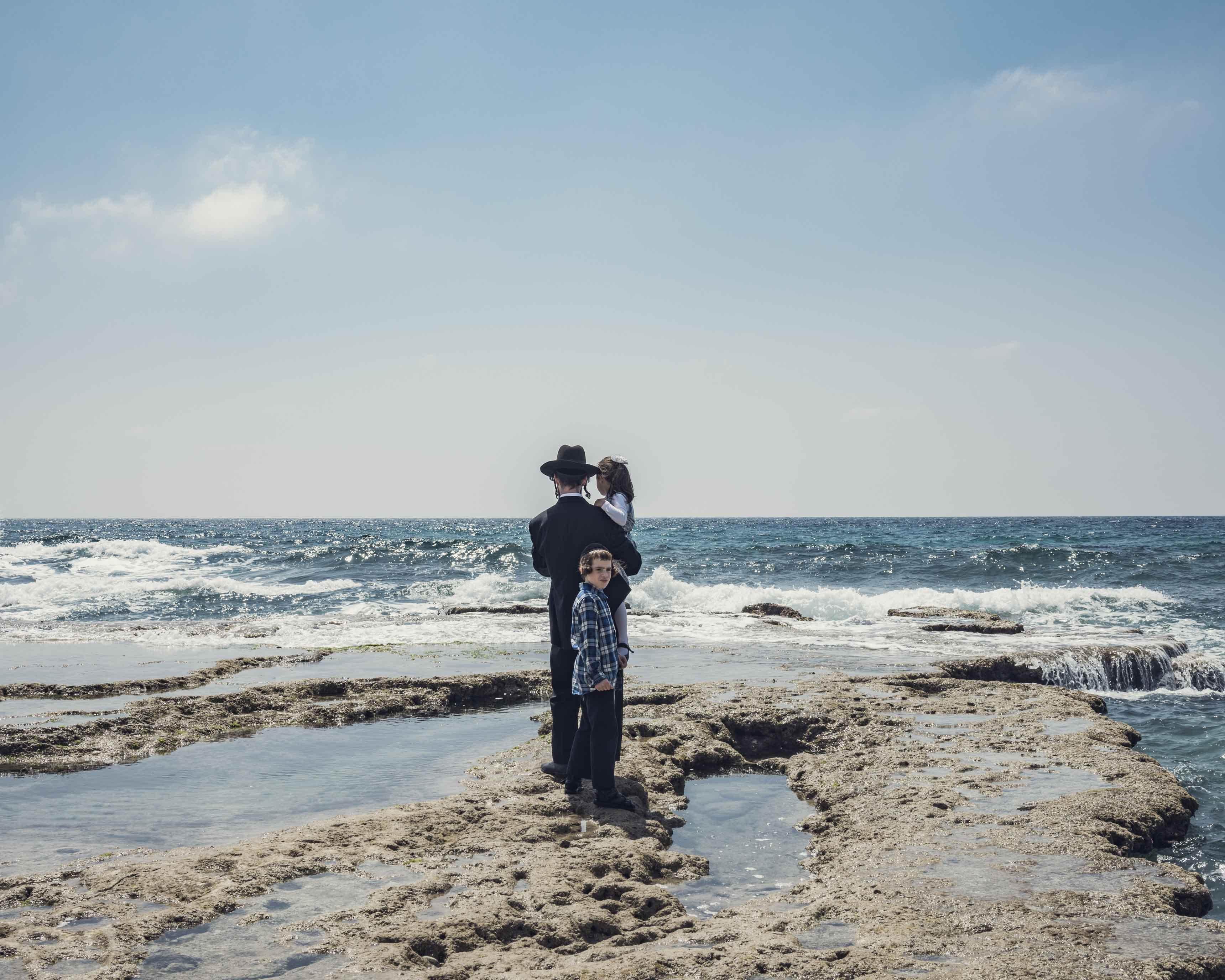 Promise me a Land © Clément Chapillon