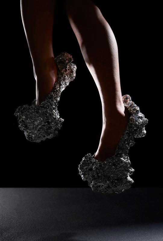"Studio Swine, ""Meteorite Shoes"" (2014), Angleterre/Japon. Petr Krejci Photography"