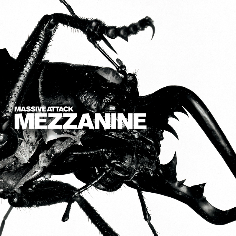 Massive Attack, Mezzanine Circa Records, direction artistique : Tom Hingston & Robert Del Naja, design : Hingston Studio, photographie : Nick Knight, 1998.