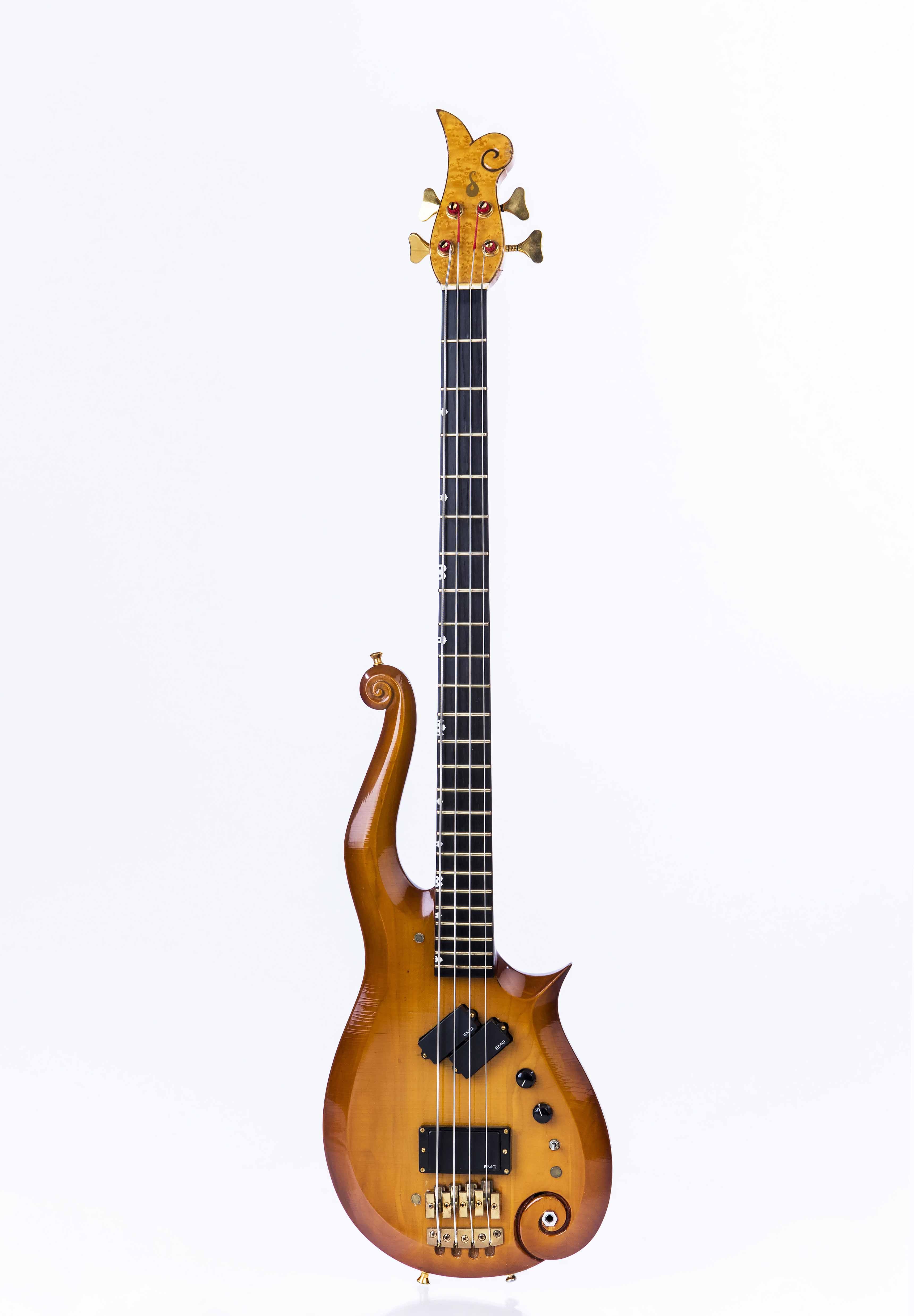 Basse Cloud  - La basse originale qui inspira la guitare cloud