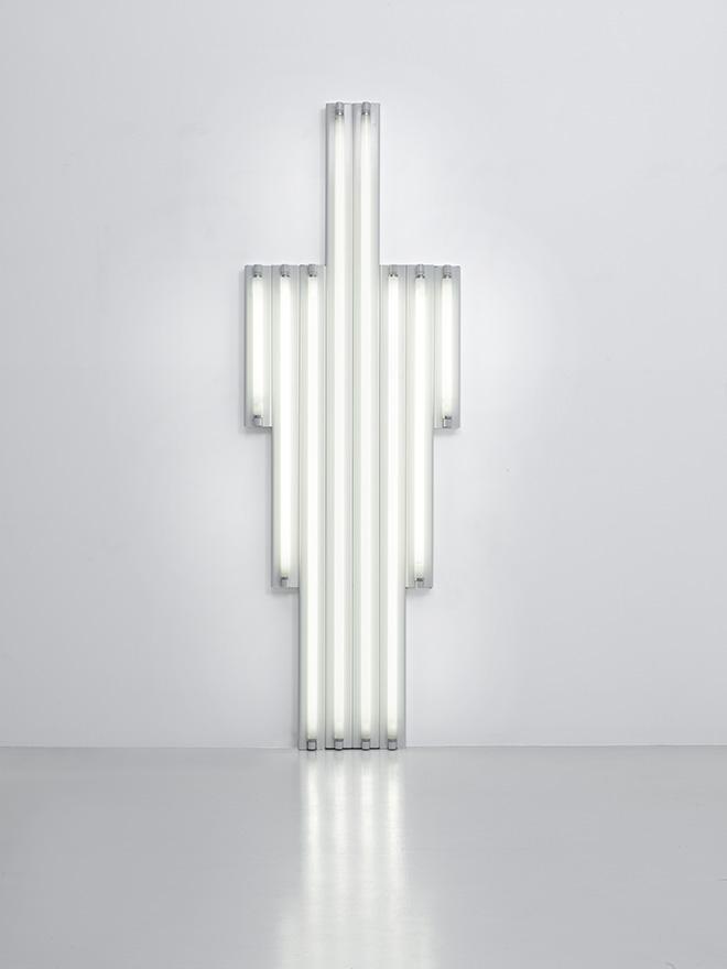 """""""Monument"""" for V. Tatlin, 1969  Set of 8 white fluorescent tubes 244 x 82 x 7 cm Courtesy Fondation Louis Vuitton. Photo credit: © Adagp, Paris 2017"""