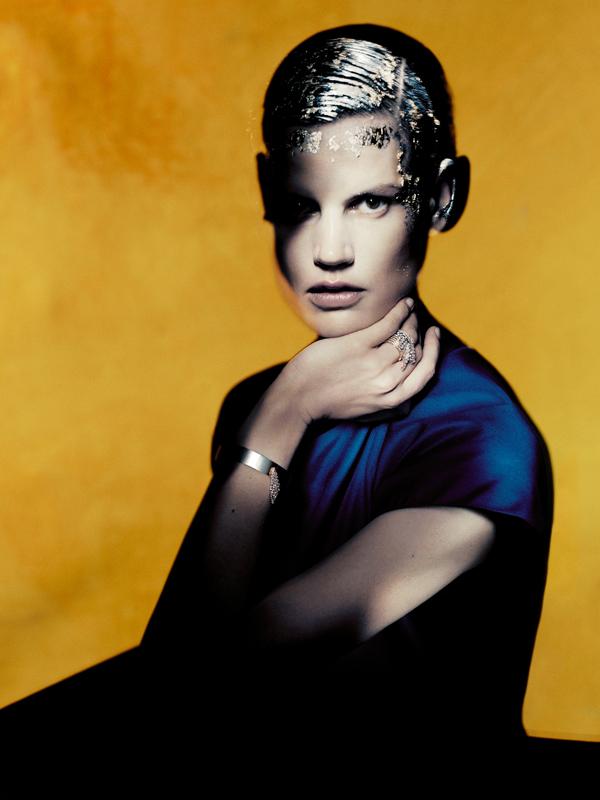 Saskia de Brauw photographiée par Paolo Roversi.