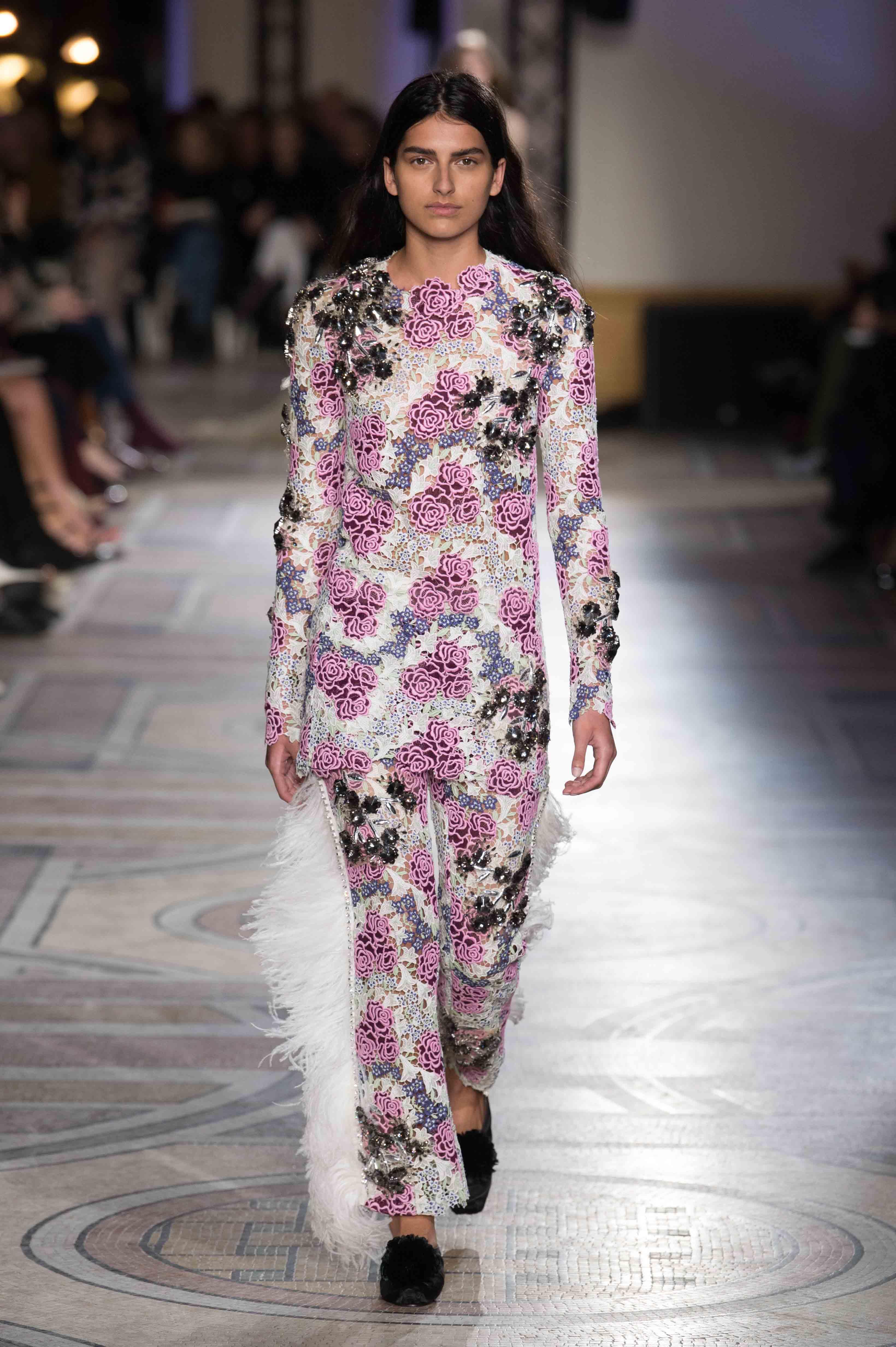 Giambattista Valli couture spring-summer 2018 fashion show
