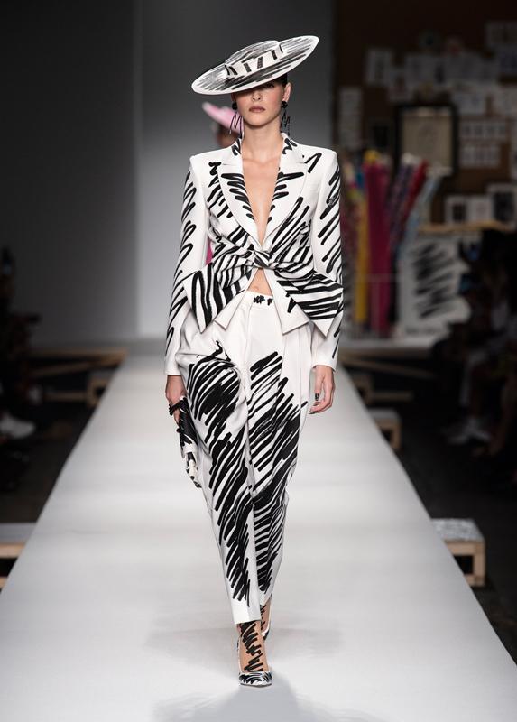 Moschino Women Spring Summer 2019 Fashion Show