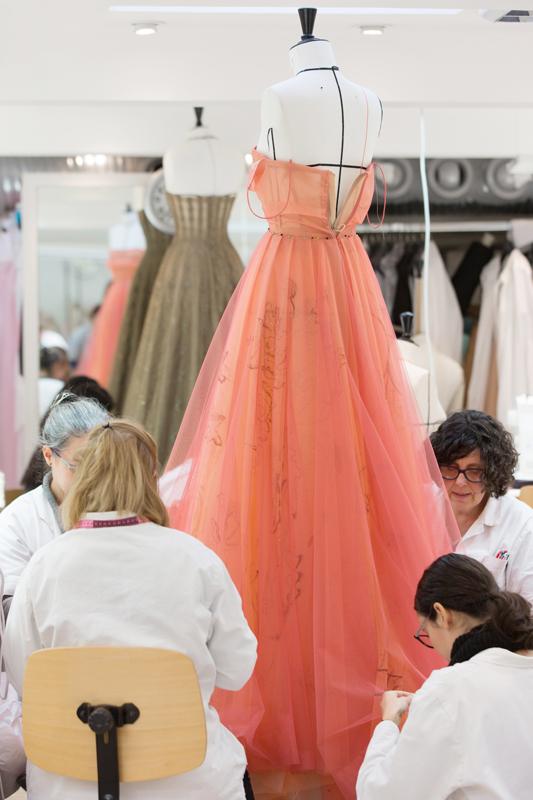 Dans l'atelier de Chirstian Dior