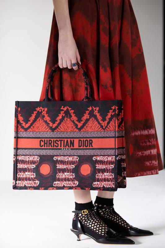 La nouvelle boutique Dior rue Saint-Honoré ainsi que la collection capsule exclusive.
