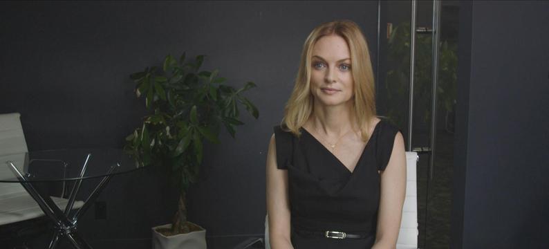 Heather Graham - courtesy of CreativeChaos omg, Women In Hollywood LLC 2019