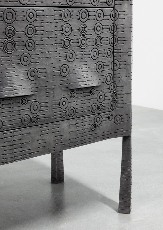 INGRID DONAT | COMMODE TRIBAL 2016 BRONZE H95 L108 W41.5 CM / H37.4 L42.52 W16.34 IN ÉDITION LIMITÉE DE 8 + 4 EA COURTESY CARPENTERS WORKSHOP GALLERY