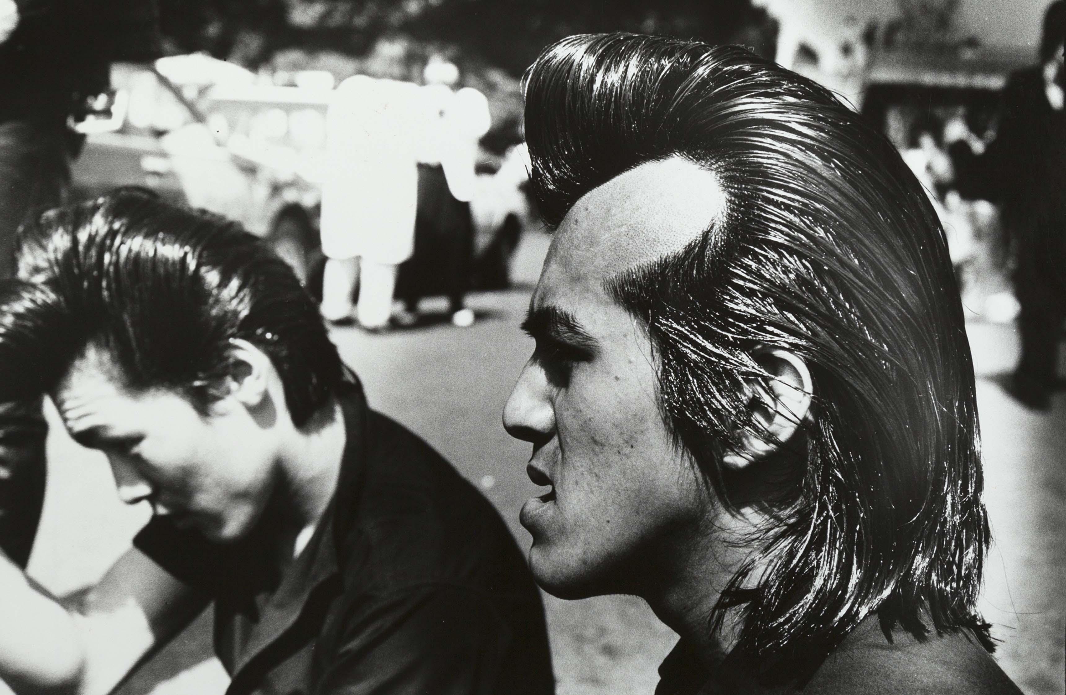 Ed van der Elsken, Rockers, Harajuku, Tokyo, 1984. Nederlands Fotomuseum Rotterdam © Ed van der Elsken / Ed van der Elsken Estate
