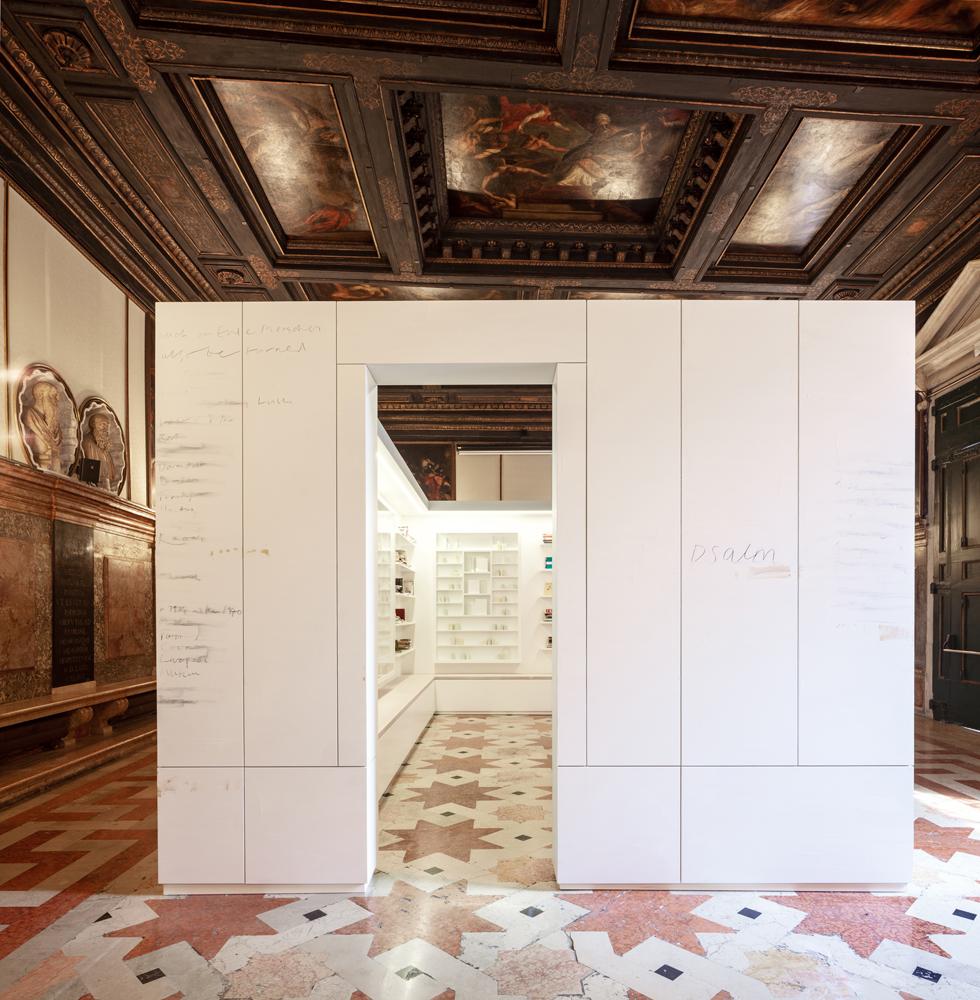 Visual of the proposed installation in the Ateneo Veneto © Edmund de Waal. Courtesy the artist.