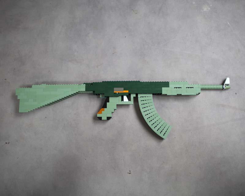 Lego Kalashnikov © Lana Mesic
