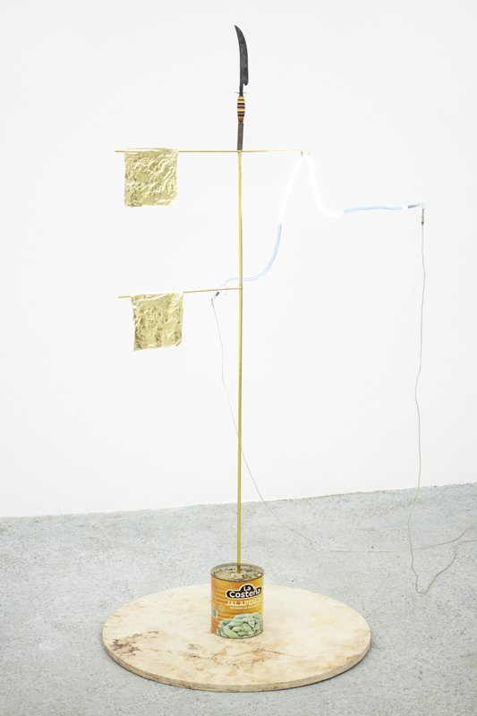 """Gabriel Rico, """"XI"""", from the series """"Hipótesis del equilibrio local"""" (2019). Marble, brass, can, gold leaf, knife, neon 185 x 100 x 95 cm © Diego G. Argüelles / Courtesy of the artist and Perrotin"""