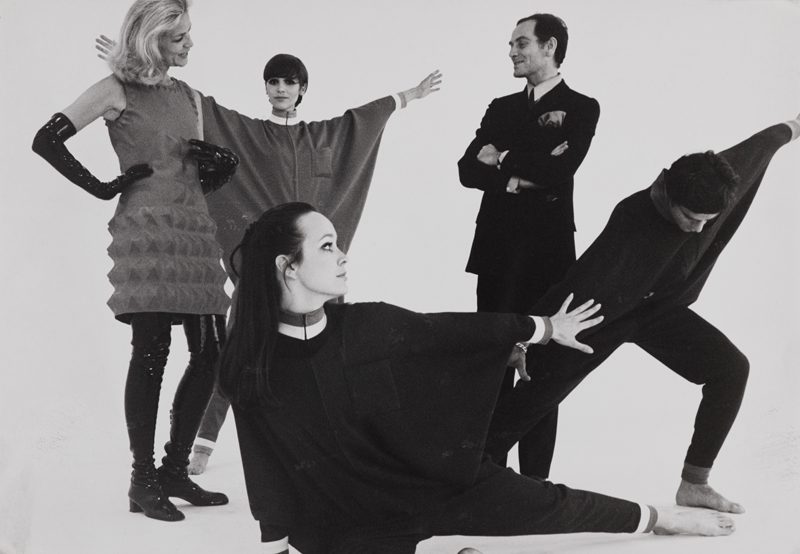 Pierre Cardin and Lauren Bacall with models on the set of Bacall and the Boys (1968). Photo: Yoshi Takata. Courtesy of Archives Pierre Cardin. © Archives Pierre Cardin