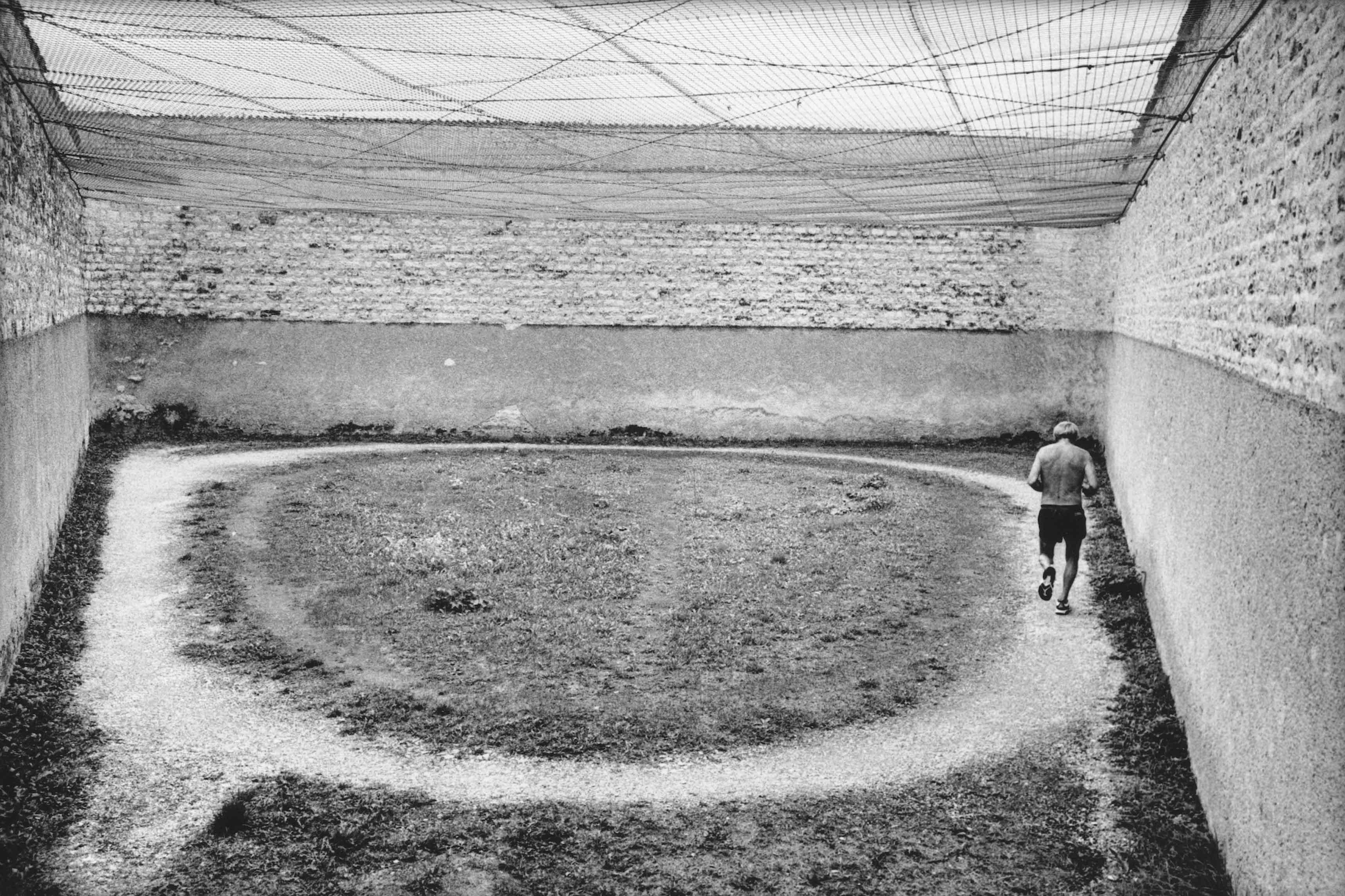 Prison de Clairvaux, Aube, 1998 © Raymond Depardon / Magnum Photos