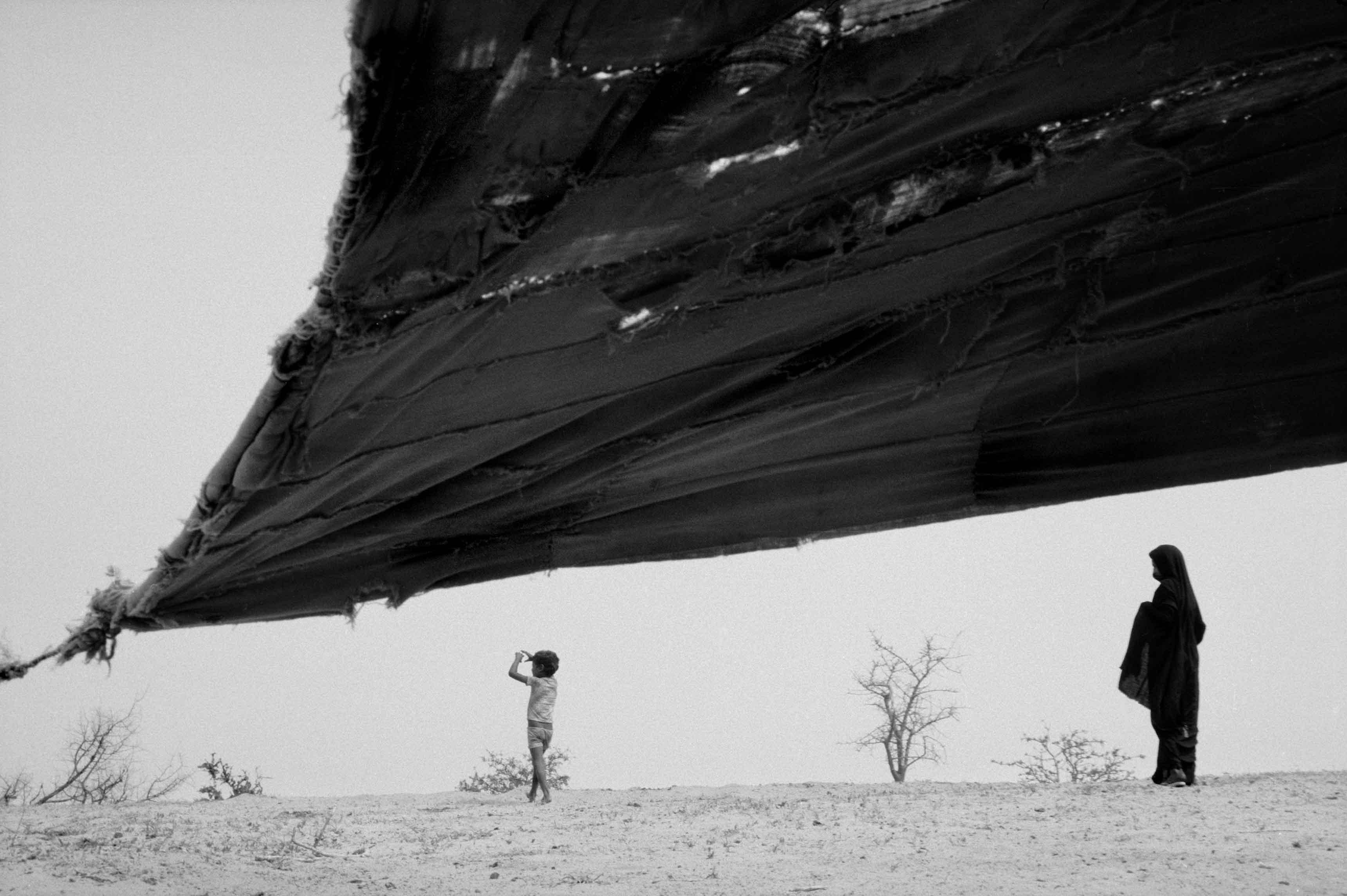 Mauritanie, entre Oualata et Néma, 1986 © Raymond Depardon / Magnum Photos