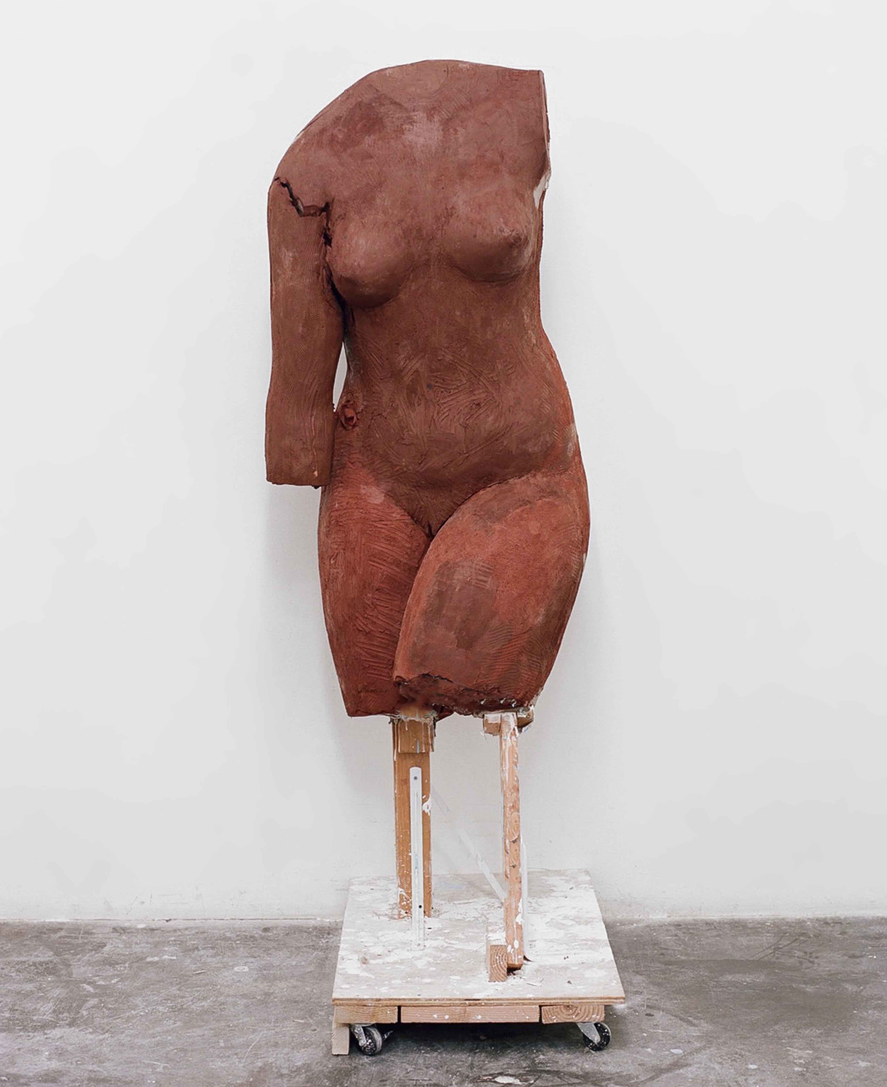 untitled (red body) ceramic 2017 dimensions vary © Vanessa Beecroft, 2017.