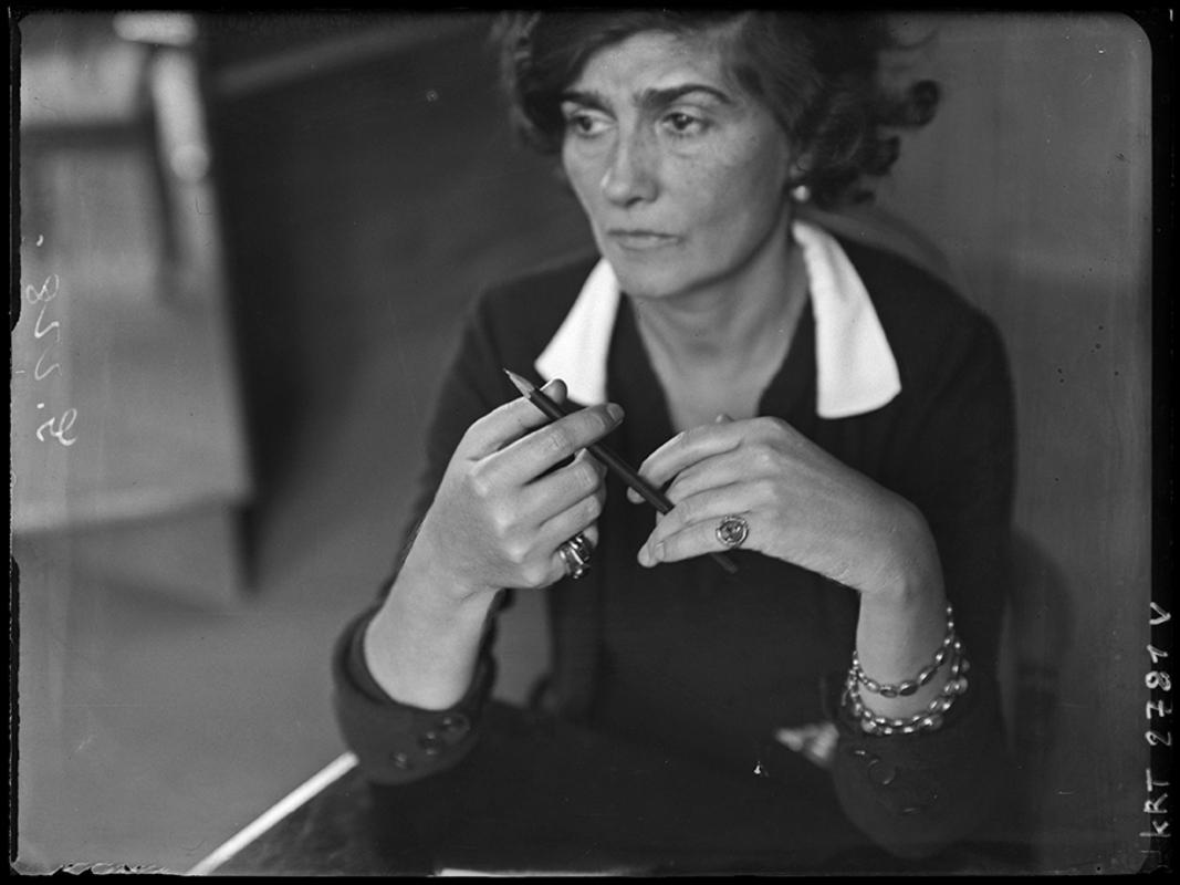 André Kertész. Coco Chanel – Années 30 © Ministère de la Culture – Médiathèque de l'Architecture et du Patrimoine, Dist. RMN-Grand Palais / André Kertész