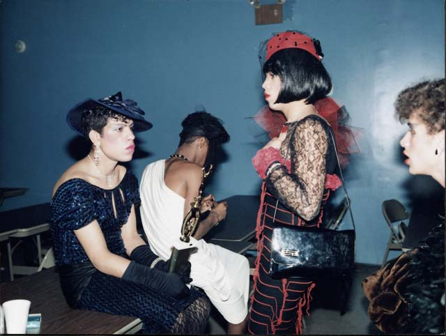 Butch Queens in Drag, Brooklyn ball, 1986 (©) Jennie Livingston