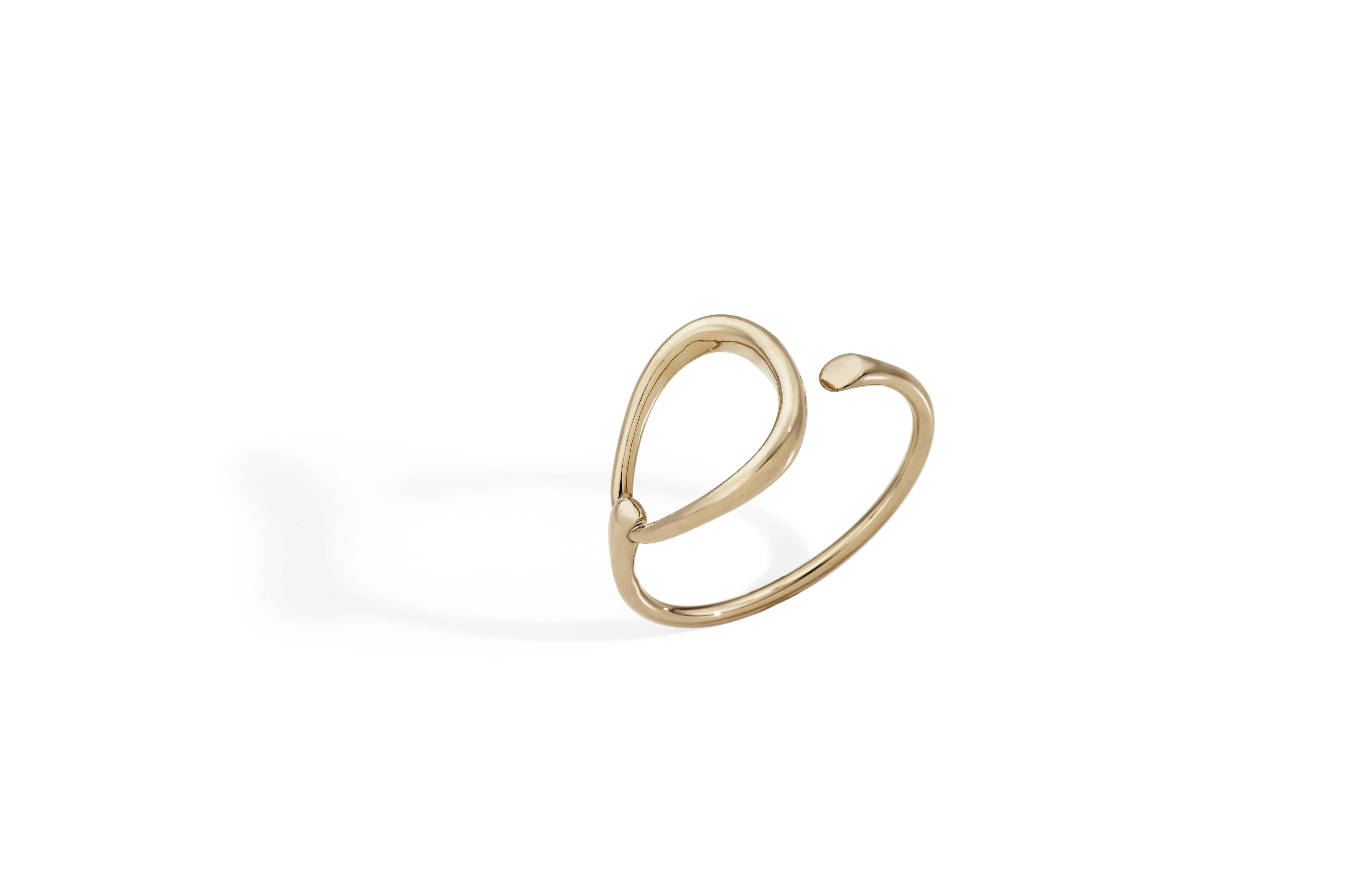 Bracelet en or rose.