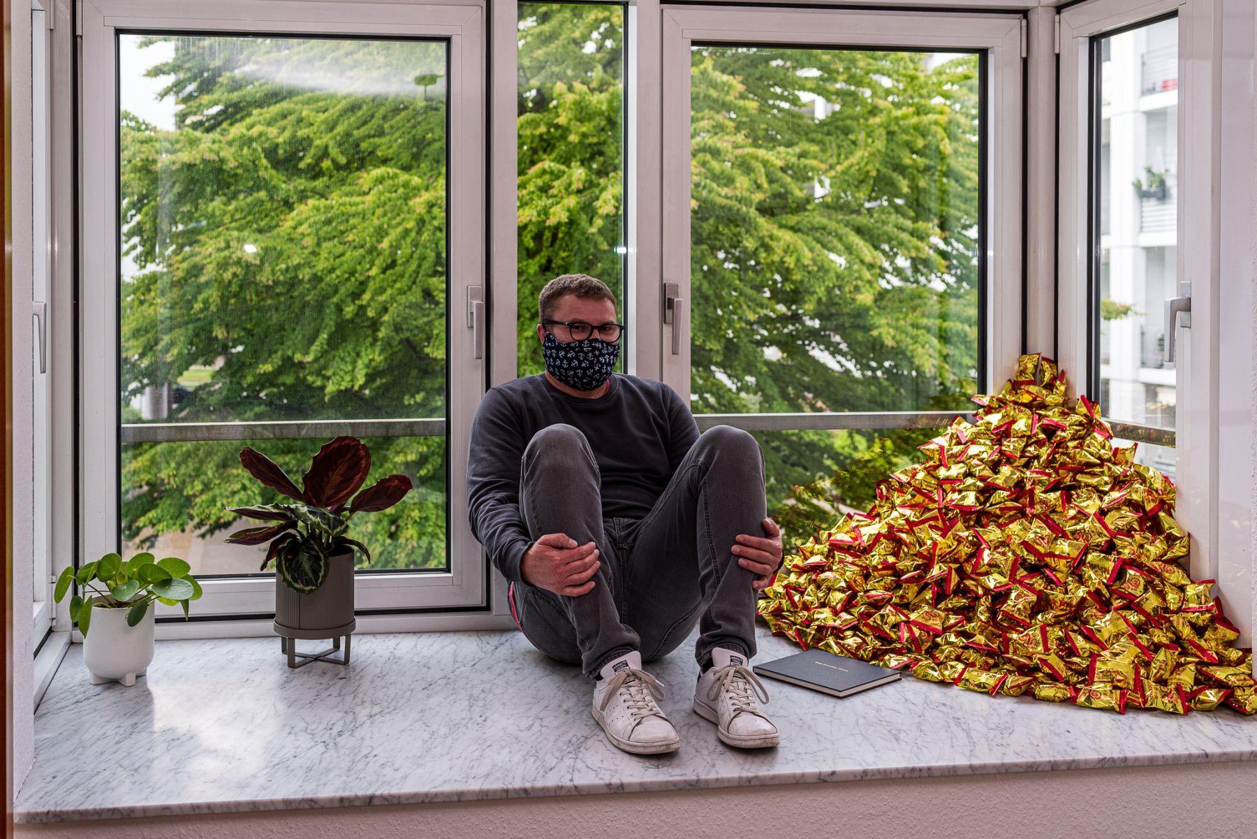 """Felix Gonzalez-Torres, """"Untitled (Fortune Cookie Corner"""" (1990-2020).Michael Seiwert Hamburg, Germany @save0904"""