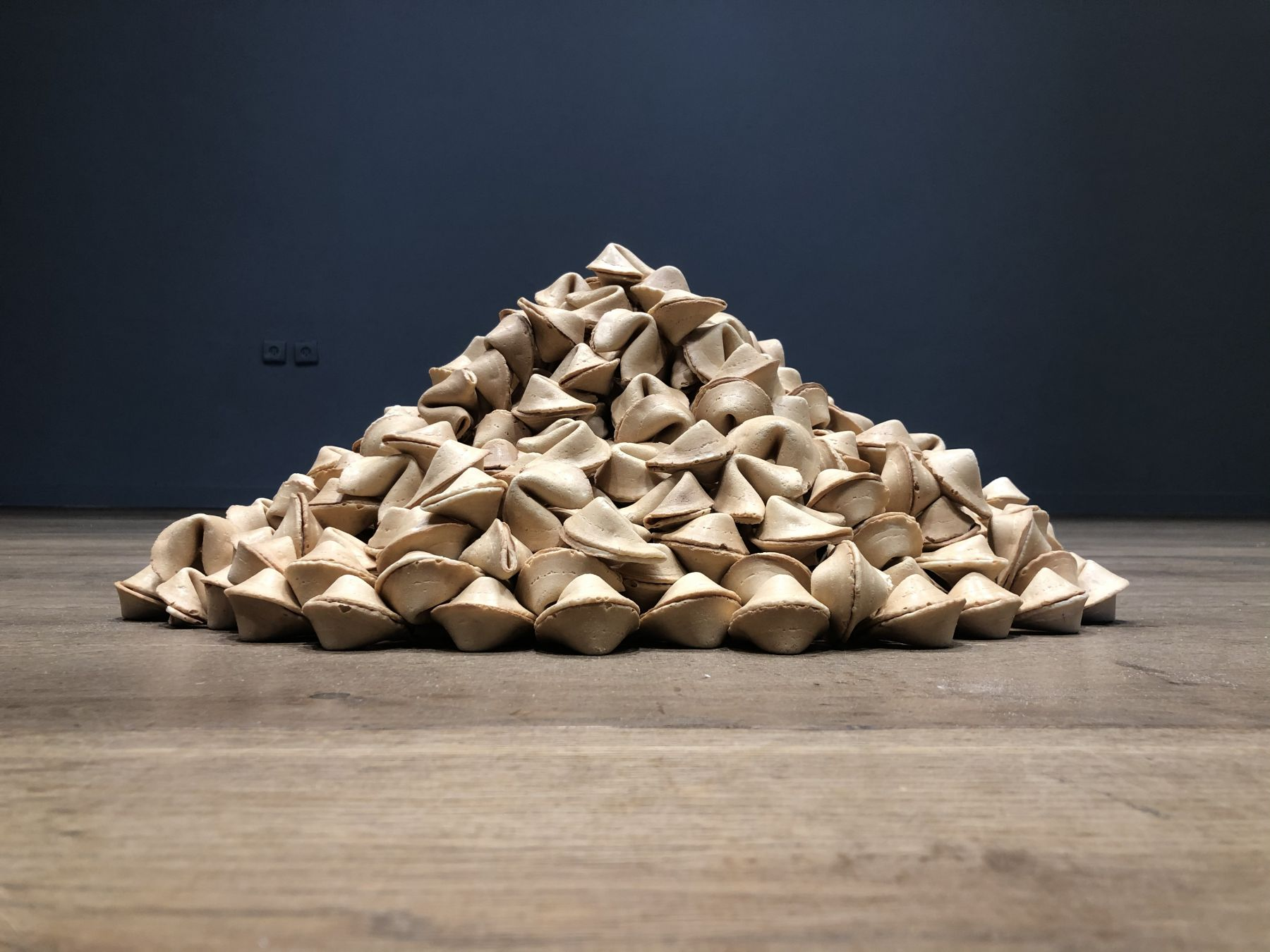 "Felix Gonzalez-Torres, ""Untitled (Fortune Cookie Corner"" (1990-2020).CCA – Center for Contemporary Art Tel Aviv Tel Aviv, Israel @ccatelaviv"