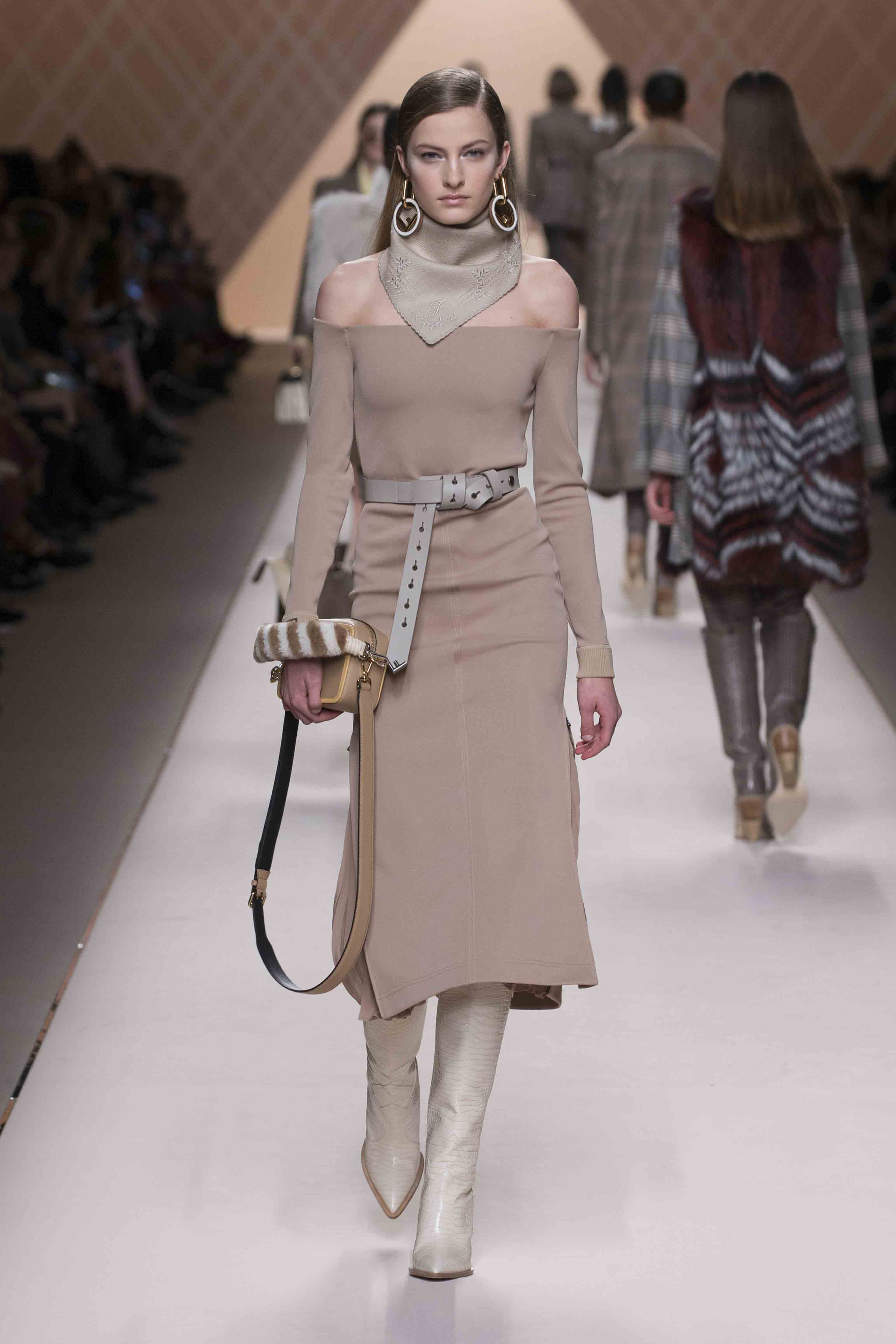 fashion week article New york fashion week news find breaking news, commentary, and archival information about new york fashion week from the tribunedigital-chicagotribune.