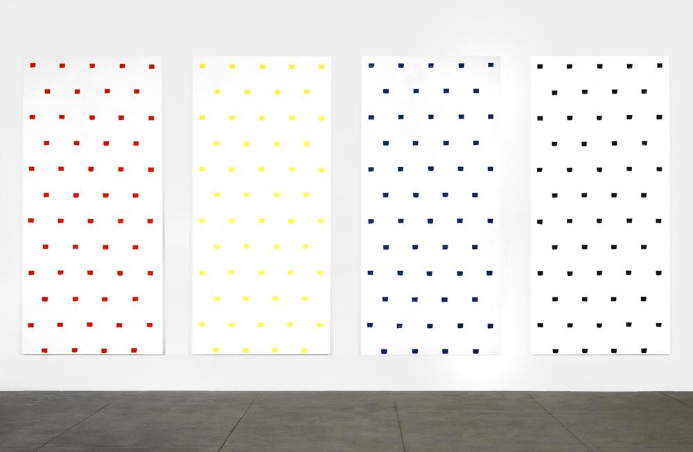 """Niele Toroni """"Empreintes de pinceau n°50 à intervalles réguliers de 30 cm"""", 1997. Acrylique sur toile 140,5 x 300 x 3,2 cm"""
