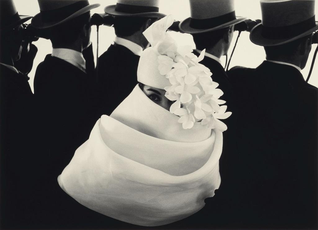 """Frank Horvat (né en 1928), """"Givenchy Hat A, Jardin des Modes, Paris"""", 1958"""