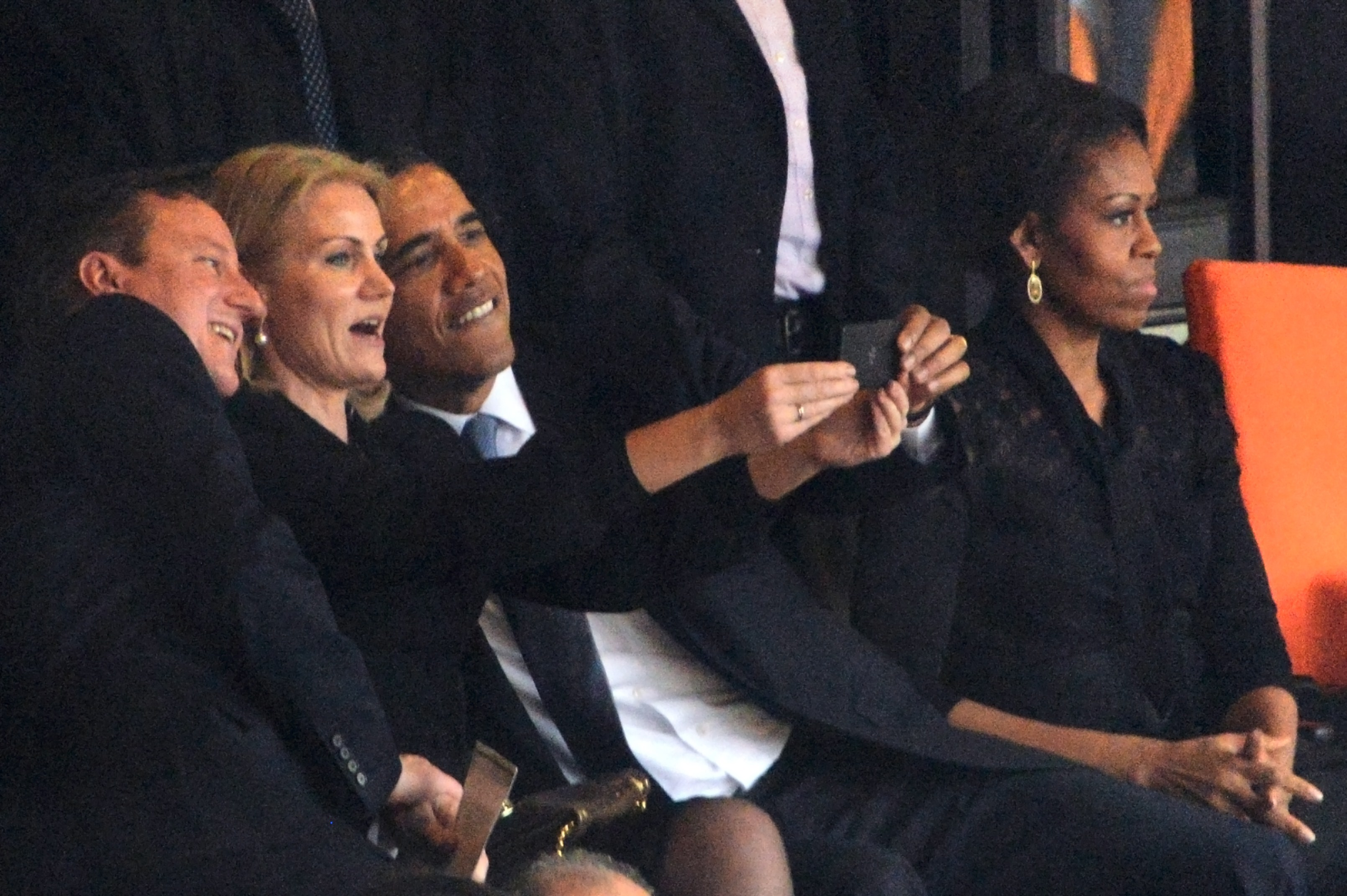 Selfie Barack Obama Courtesy ROBERTO SCHMIDT/AFP/Getty Images