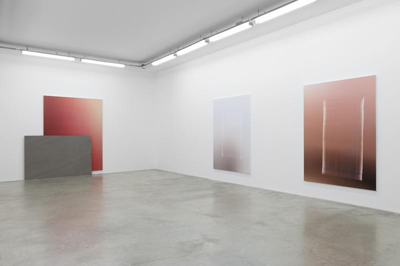 Vue de l'exposition Pieter Vermeersch à la Galerie Perrotin, Paris, 7 janvier – 11 mars 2017 : Claire Dorn Courtesy of the Artist & Galerie Perrotin