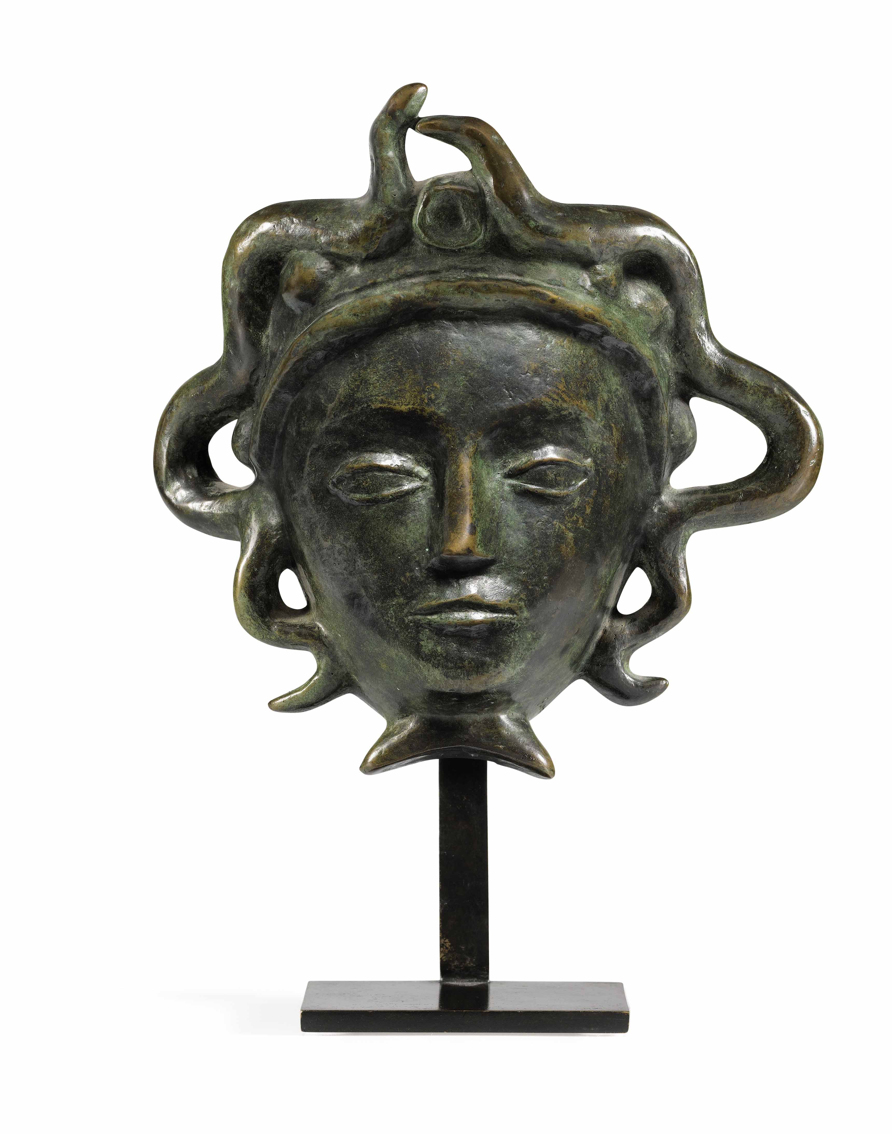 ALBERTO GIACOMETTI MASQUE AUX SERPENTS SCONCE, DESIGNED IN 1934 sconce in patinated bronze With foundry mark Susse Fondeur Paris Estimate : 80,000 EUR - 120,000 EUR