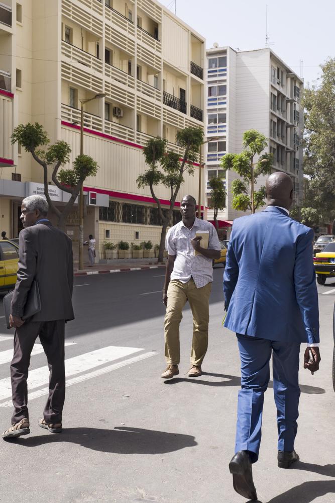Avenue du Pr. L. Sedar Senghor, Dakar, Sénégal, 2017 © Guy Tillim, Courtesy of Stevenson, Cape Town and Johannesburg