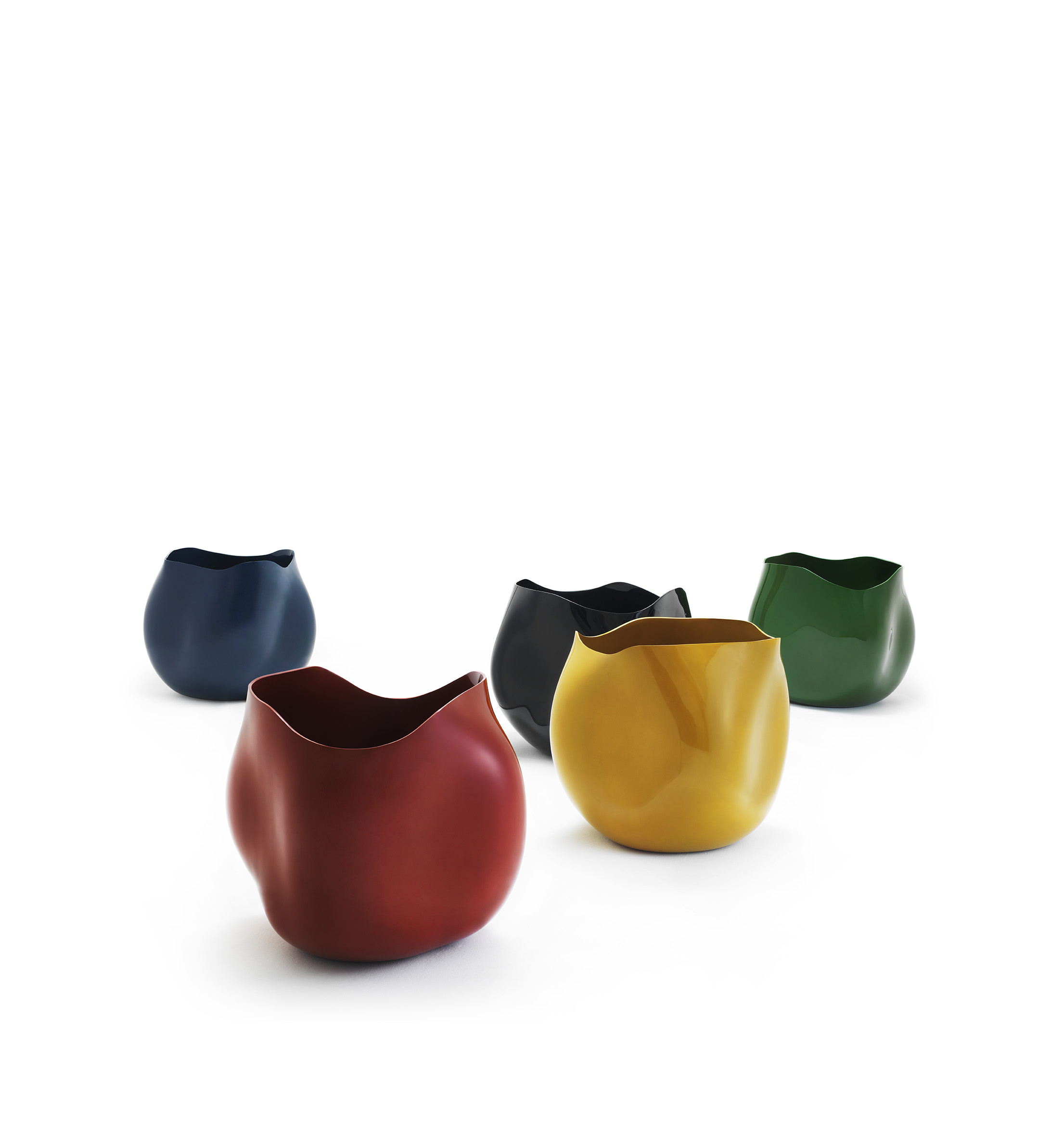 """Hae Cho Chung, Republic of Korea """"Five color vessels 0831"""", ottchil on hemp fabric and polished with deer's antler, 120 x 120 x 120 mm (2013)"""
