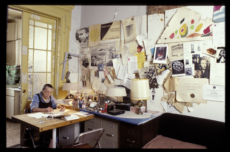 Louise Bourgeois in her home on West 20th Street, New York, 2000. Photo: © Jean-François Jaussaud; © The Easton Foundation / Licensed by VAGA at Artists Rights Society (ARS), New York