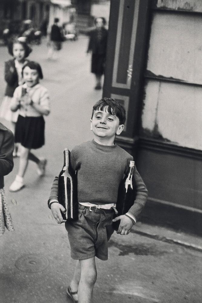 """Rue Mouffetard, 1954"" de Henri Cartier-Bresson (c) Henri Cartier-Bresson - Magnum photos"