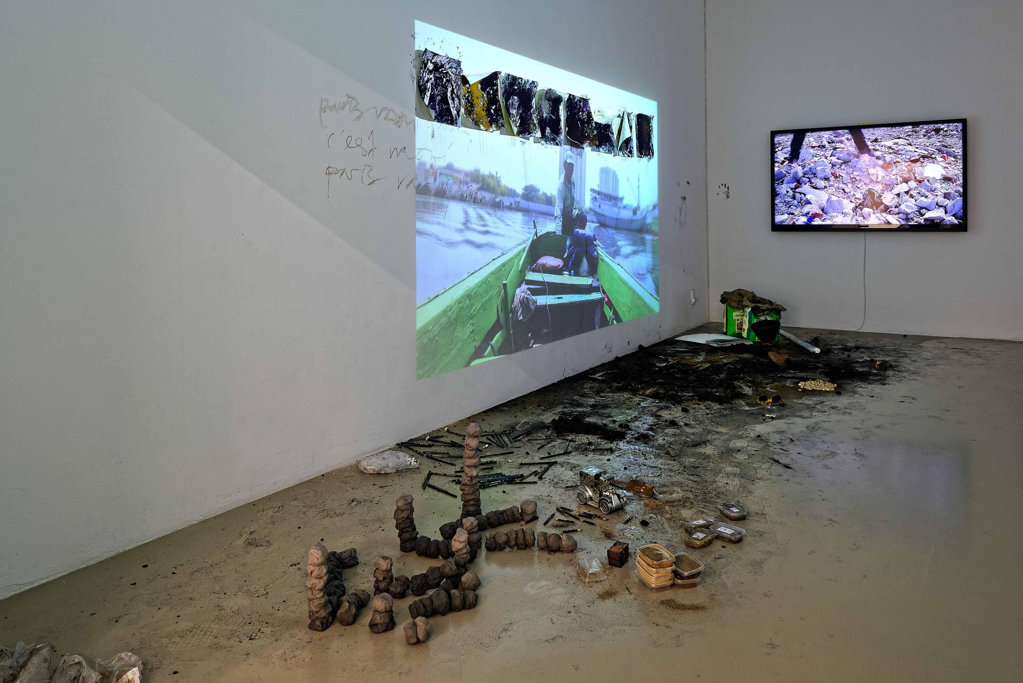 IAC - Vue de l'exposition Rendez-vous - Biennale de Lyon 2017, Institut d'Art Contemporain, Villeurbanne Rhône-Alpes Oeuvre de Aliansyah Caniago ©Blaise Adilon